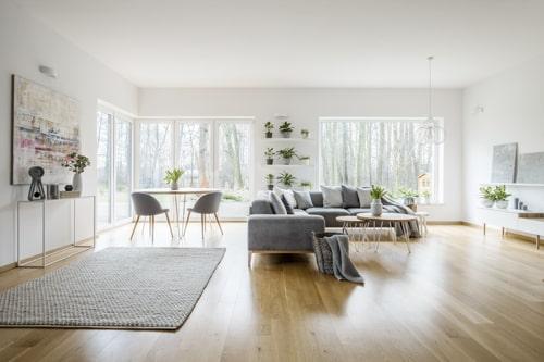 wohnzimmer homestaging modern sofa stühle